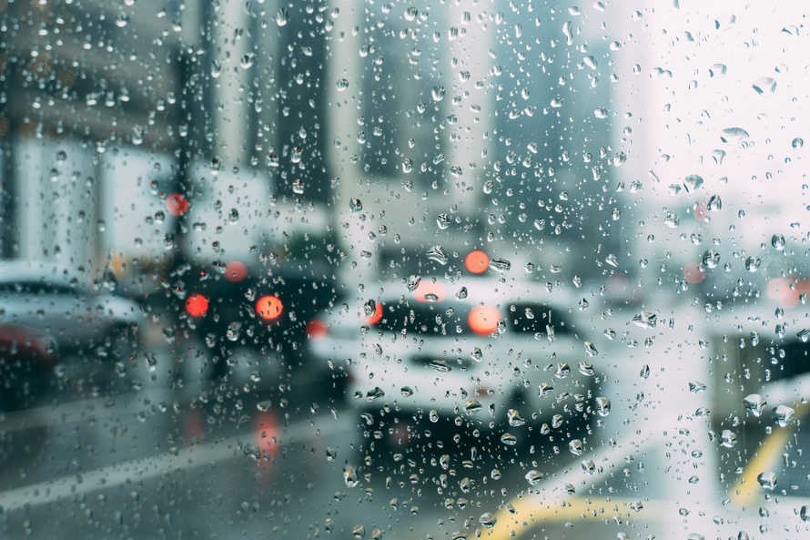 driving-wet-weather