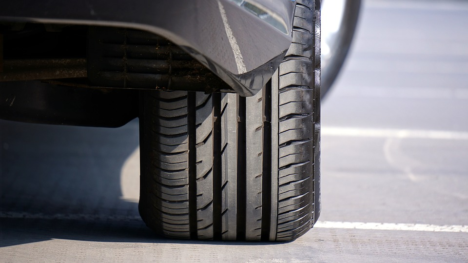 how-to-avoid-a-tire-blowout